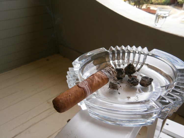 Montecristo Maravillas No.1 Colección Habanos 2005 two thirds smoked