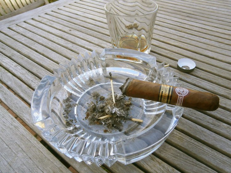 Montecristo 520 Edición Limitada 2012 two thirds remaining