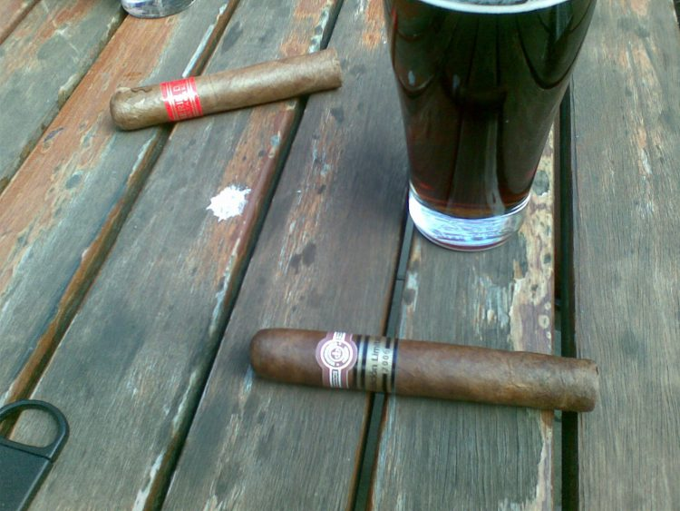 Montecristo Robusto Edición Limitada 2006 with a pint and a PSD4