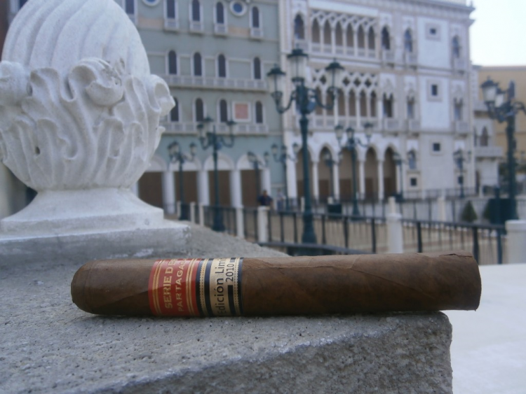 Partagás Serie D Especial Edición Limitada 2010 unlit, with the Venetian in the background