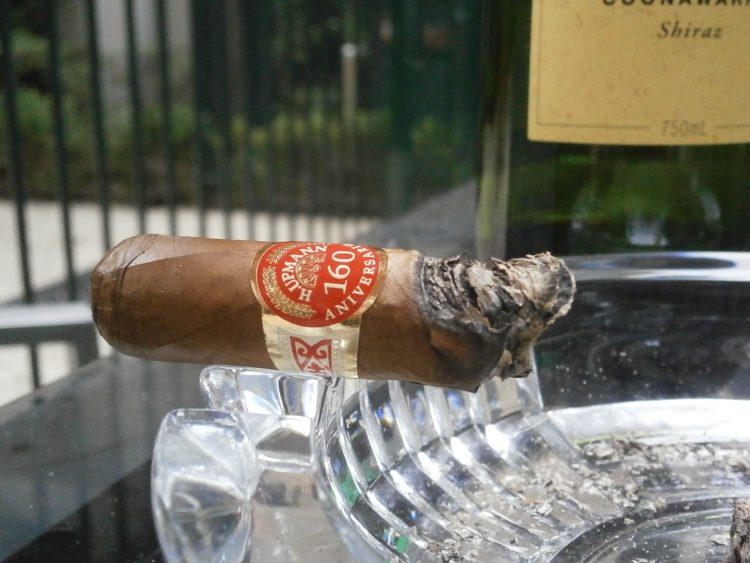 H Upmann Connoisseur No. 1 160th Aniversario Humidor final third