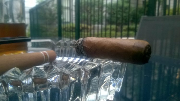 Romeo y Julieta Cedros de Luxe No. 2 mostly gone