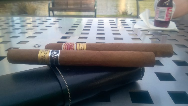 Romeo y Julieta Churchill Reserva Cosecha 2008 unlit, alongside a regular Churchills