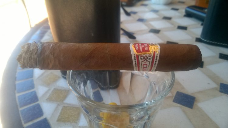 Hoyo de Monterrey Le Hoyo des Dieux, somewhat burnt