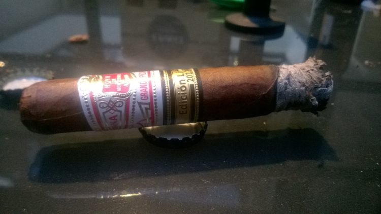 Hoyo de Monterrey Grand Epicure Edición Limitada 2013 an inch or so smoked