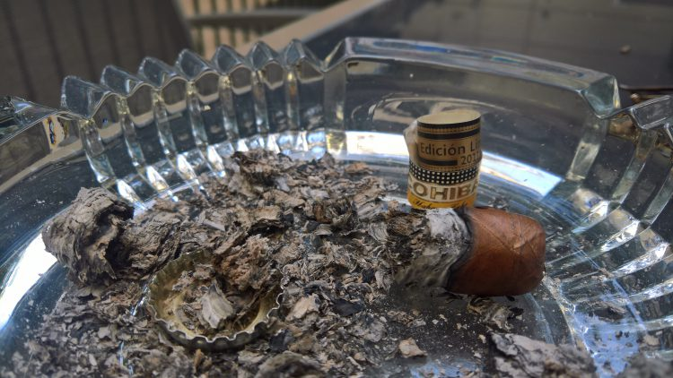 Cohiba Cohiba 1966 Edición Limitada 2011 nub and associated ashes