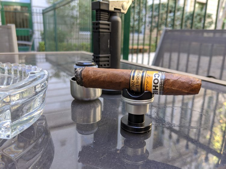 Cohiba Pirámides Edición Limitada 2001 somewhat burned