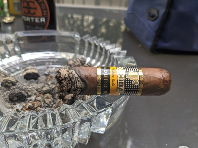 Cohiba Mágicos burnt to just before the band